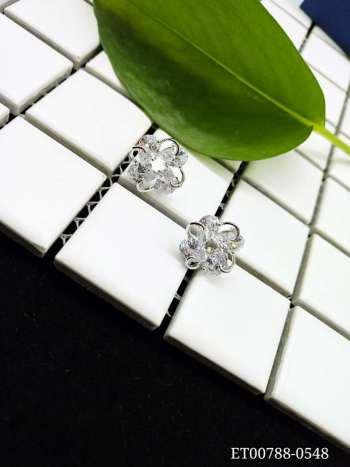 Simple zircon earrings
