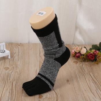 2017 new cotton toe socks men's stockings with five-toe socks