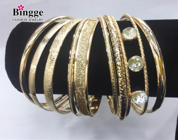 Europe and the United States explode jewelry personality mix multiple iron trap bracelets