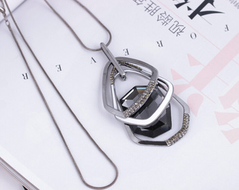Fashion personality new Korean sweater chain manufacturers wholesale irregular geometry multi-layer crystal necklace