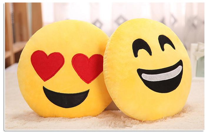 QQ笑脸表情公仔emoji毛绒抱枕滑稽表情可亦凡喜欢表情包吴图片
