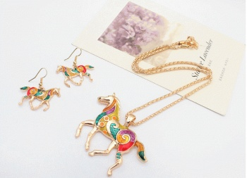 New Jewelry Europe fashion oil drop rainbow Horse set color necklace earrings two sets of women