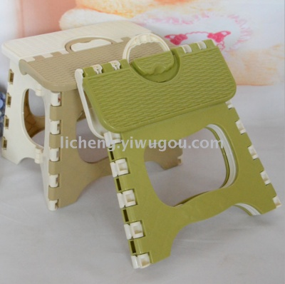Folding fishing stool, plastic portable folding stool mini stool Chair