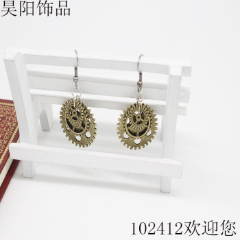 Antique metal folding earrings European and American popular models this year's explosion models factory outlets