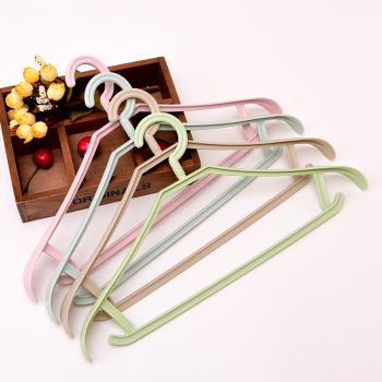 Clothes rack drying rack for a wide shoulder, unmarked plastic anti-slide clothing rack adult hanger hanger