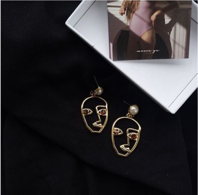 Korean face personality pearl design earring earrings