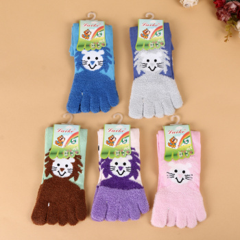 2017 new winter comfortable warm five fingers stockings