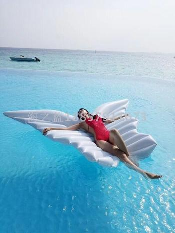 A new angel wing floating bed floating bed butterfly floating angel wings air cushion
