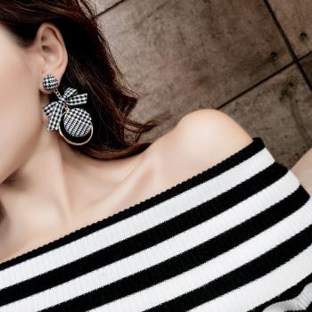 Sweet lattice bow button ear earring