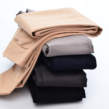 The leggings of the gift box leggings and the plain color pressure pants of the ladies are pressed with the tights
