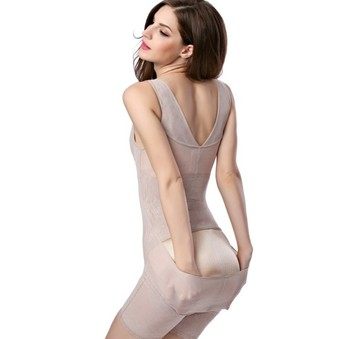 After the postpartum flat-leg body plastic body clothes and buttocks to release the underwear