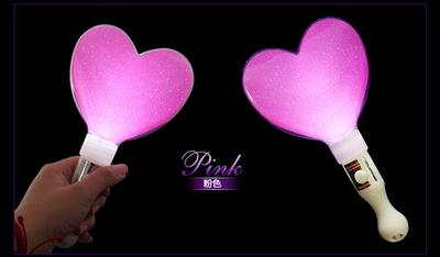 Glitter stick heart stick heart stick heart-shaped electronic fluorescent rod light toy concert performance props.