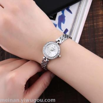 Manufacturers direct sales of new models of women small bracelets watch.