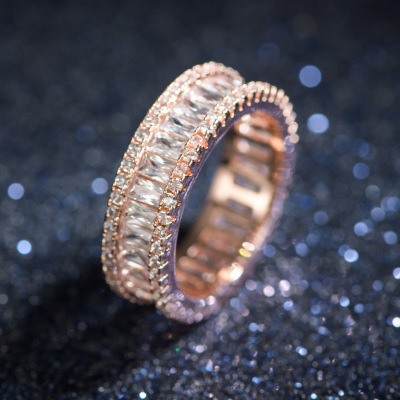 New European and American fashion ladies' AAA zircon classic slot with wide cross-boundary copper ring.