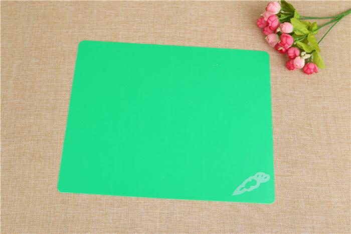 Cutting board cutting board green PP material.