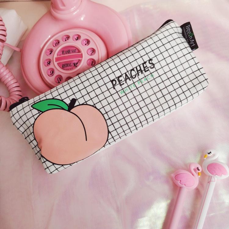 创意可爱日系水蜜桃帆布笔袋小清新趣味字母文具盒收纳袋铅笔袋女
