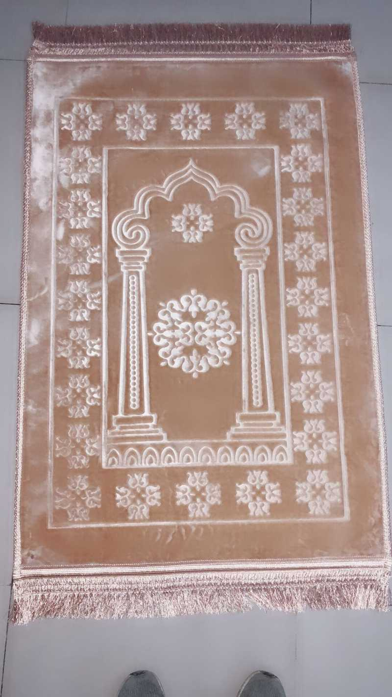 Supply The Raschel Carpet Is A Pure Color Prayer Mat