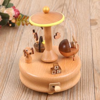 居家装饰用实木八音盒 YP1517款 娃娃摇摇床音乐盒