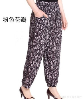 Middle-aged and old women's pants ice silk mother casual pants halon knickerbockers.
