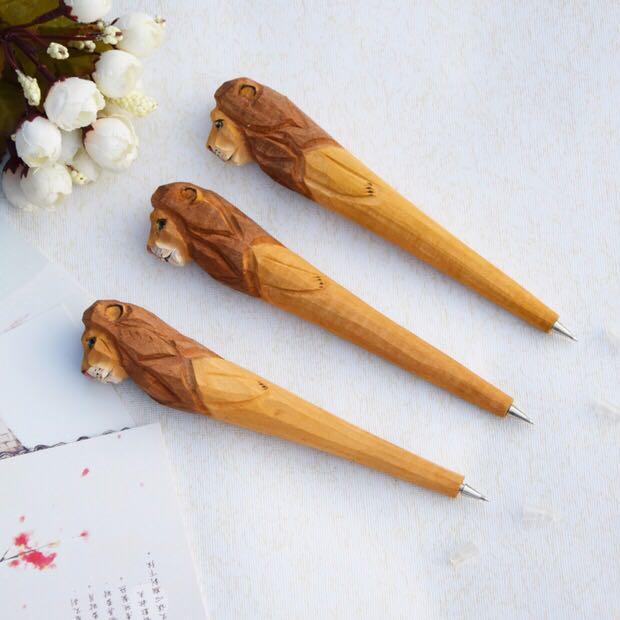 木质工艺笔经典热销木雕动物笔手工雕刻木头笔创意_至