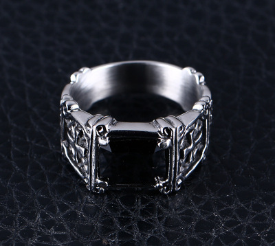 New hot fashion accessories men's rings red/black diamond titanium steel ring European and American domineering ring