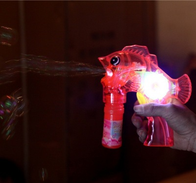 Fully automatic inertial dolphin bubble gun children light up manual hand shake transparent