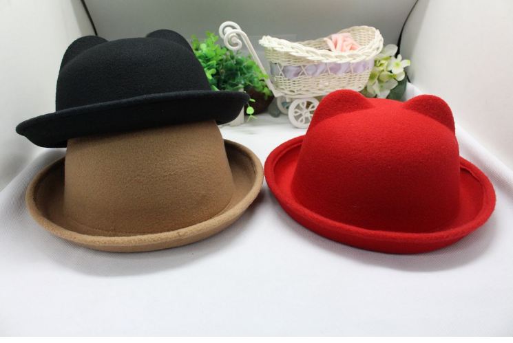 bce20eedecd Korean version of the classic cat ear fedora small round hat with warm  fashionable ladies hats