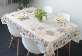 新款发泡蕾丝PVC专版桌布140*180cm 长方形餐桌布