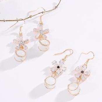 韩版花朵小领结猫眼花耳环珍珠长款耳坠气质百搭抖音耳环新耳饰品