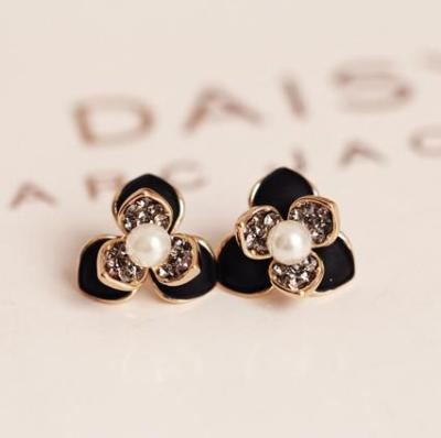 Korean star trend of the atmospheric fine double clover earrings