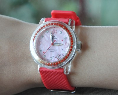 PASNEW hundred Holy cow rhinestone ladies ' fashion waterproof swim watch jelly color 418