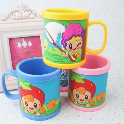 The Drop plastic stereo PVC soft rubber plastic cartoon mark cup customizable children 's toothbrush cup.