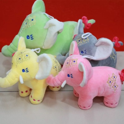 Thailand small elephant elephant elephant pendant wedding doll doll machine grab goods elephant Doll Plush
