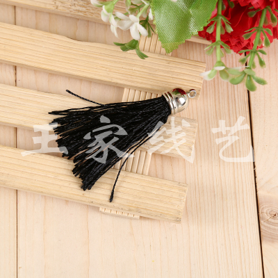 Manufacturer direct sales, black metal cap small tassel hanging to hang decorative accessories