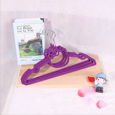 Wholesale Cartoon hanger solid color clothes racks clothing racks