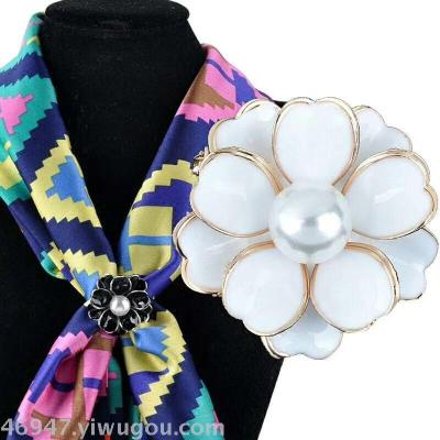 South Korean high - grade crystal silk scarf button pin scarf, scarf, shawl pin, sweater and pin accessories.