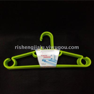 Multifunctional slip storage hanger/wet or dry adult hanger RS-4774