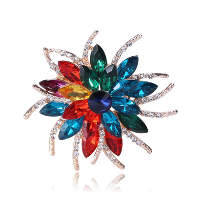 Cross-border Korean version of high-end handmade crystal acrylic color flower brooch women's clothing accessories corsage manufacturers direct